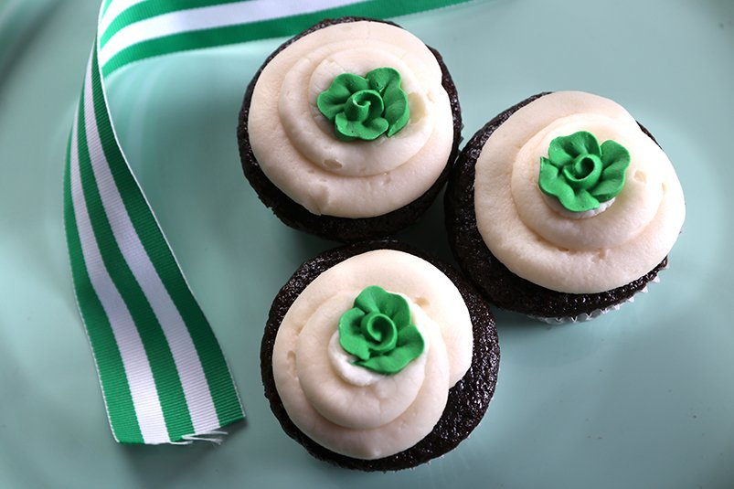 Chocolate healthy cupcakes made with spinach